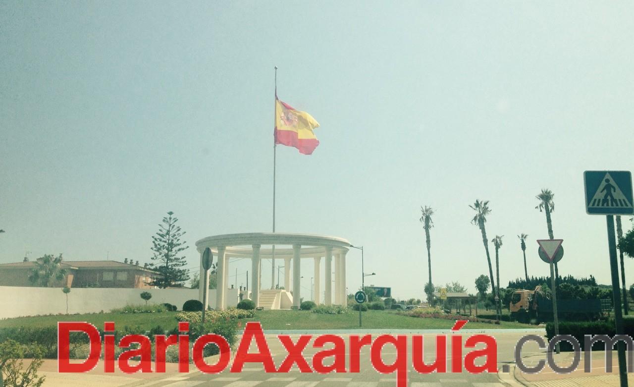 Bandera de España a media asta en Vélez-Málaga
