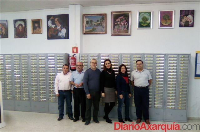 Correos destaca las 32 exposiciones en sus de san luis de for Oficinas de correos en malaga