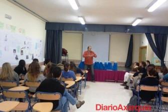 Estudiantes del ies puerta de la axarqu a representar n a for Instituto puerta de cuartos