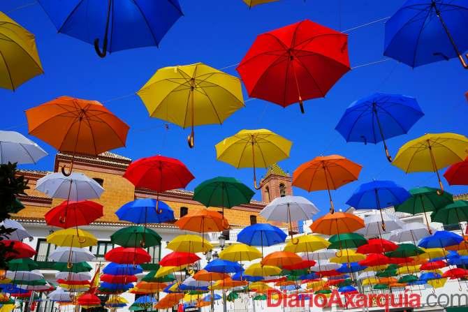 Sombrillas de colores - 5  agosto