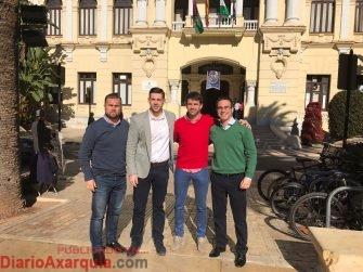 Moreno junto a compañeros de AxSí