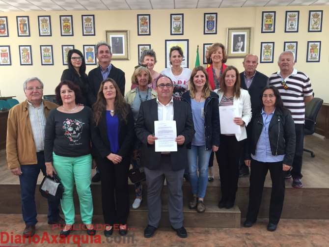 Firma convenio animales2 (1)