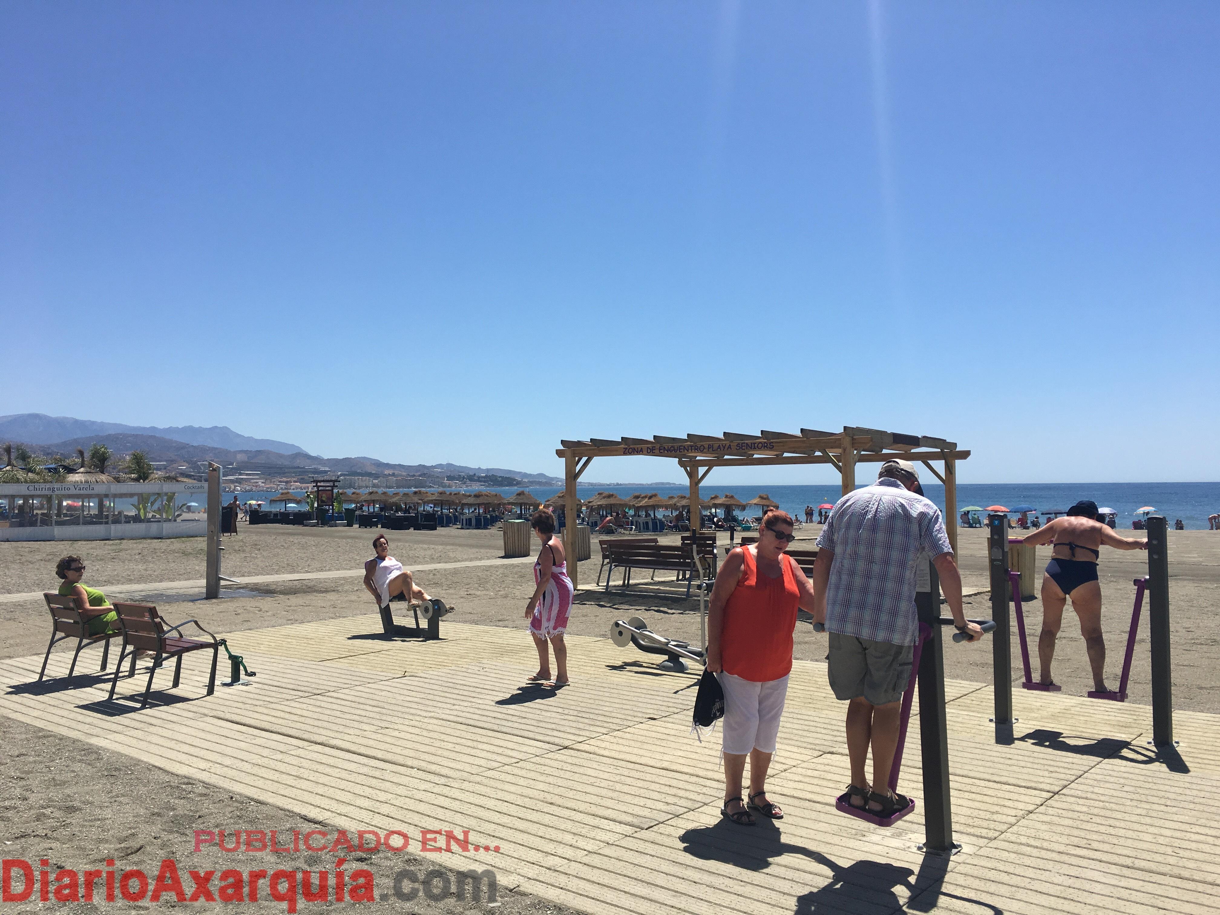 Torre del mar inaugura la playa seniors un espacio nico y pionero en espa a dirigido a los for Cerrajero torre del mar