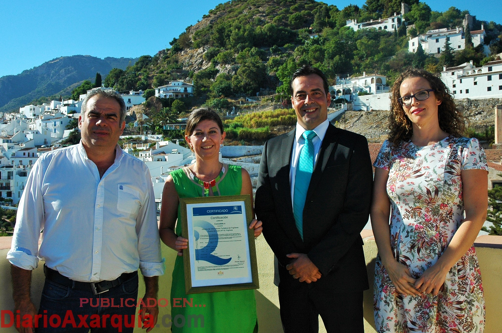 La oficina de turismo de frigiliana obtiene la q de for Oficina turismo nerja