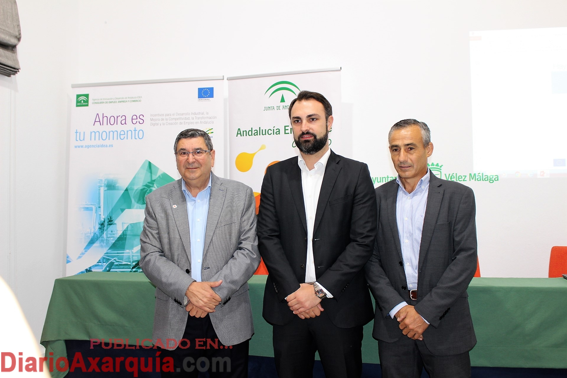 La junta de andaluc a presenta en v lez m laga ayudas for Oficina de empleo velez malaga
