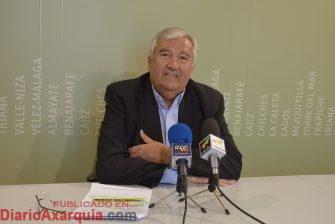 Méndez-Trelles en rueda de prensa
