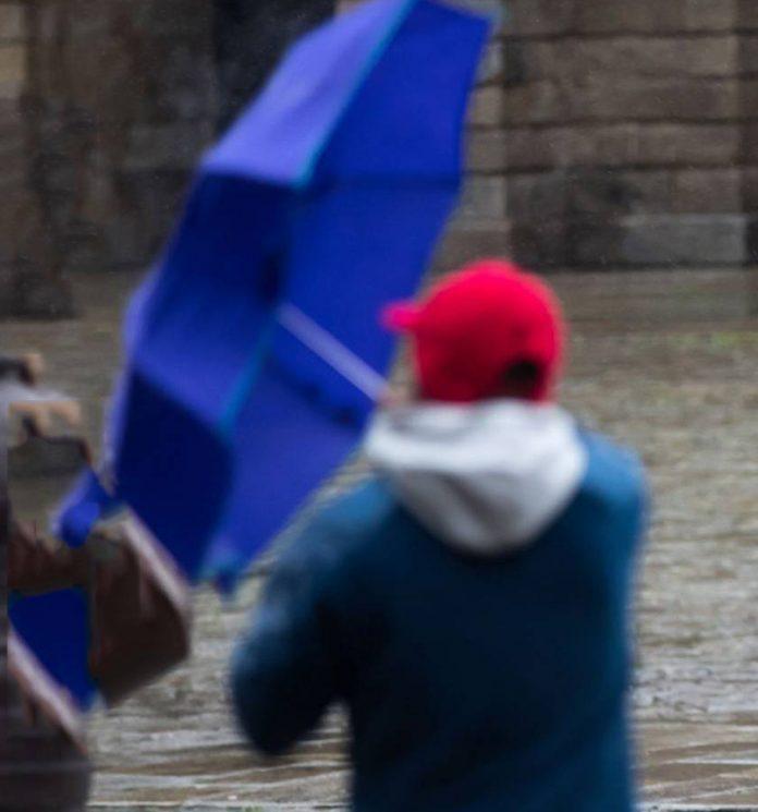 La Agencia Estatal de Meteorología (Aemet) mantiene para hoy la alerta amarilla por lluvias y fuertes rachas de viento en Antequera y en la comarca de la Axarquía.