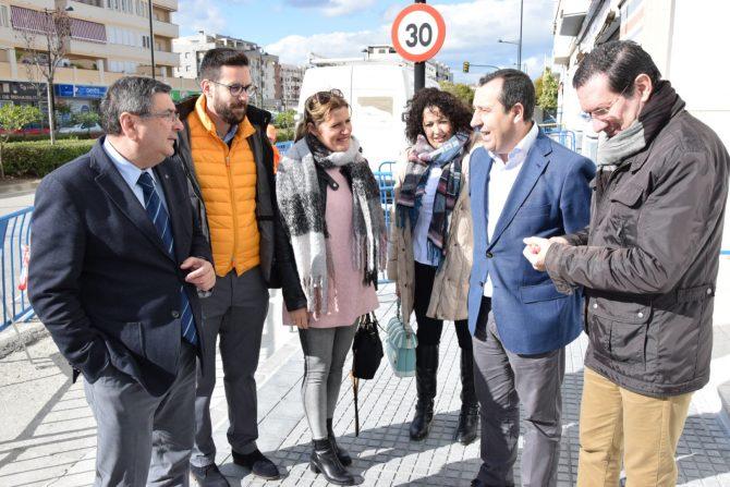 El secretario general del PSOE de Málaga, José Luis Ruiz Espejo, ha visitado esta mañana en Vélez-Málaga.