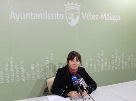La concejala de Deportes del Ayuntamiento de Vélez-Málaga, María José Roberto, ha informado que hasta el 30 de enero las entidades interesadas pueden presentar su solicitud. El consistorio convoca estas subvenciones por un importe total de 180.000 euros, al objeto de ayudar a estas entidades a sufragar los gastos de funcionamiento y realización de actividades en torno al deporte que promueven.