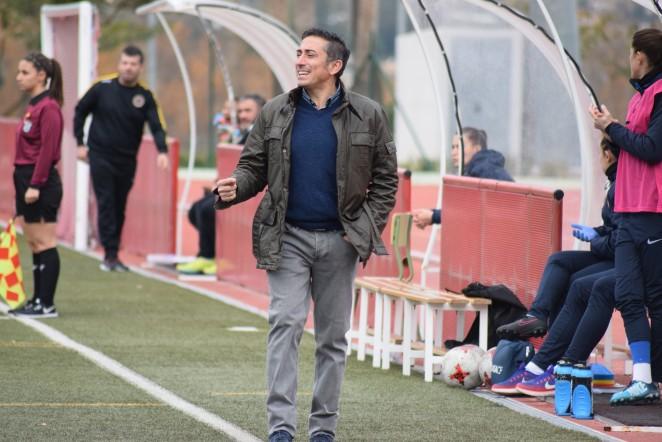 El técnico blanquiazul valoró de forma positiva la presencia de jugadoras malagueñas y de la cantera del Málaga CF en el primer partido del 2018.