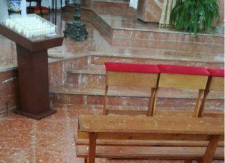 Se ha producido un desprendimiento de una pequeña parte del techo de la iglesia. Foto: Ayuntamiento Vélez-Málaga.