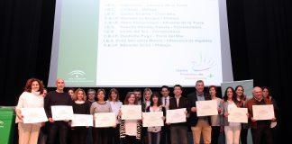 Los IES Las Flores de Álora y Carlinda de Málaga han sido galardonados en los Premios de Promoción de la Cultura de Paz y Convivencia Escolar en Andalucía.