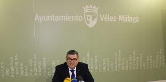 """""""Estamos trabajando en cada una de las soluciones y estamos haciendo frente a las trabas que la Ley de Sostenibilidad impone para que el Ayuntamiento pueda seguir cediéndole servicios a EVIMPSA"""", resaltó Antonio Moreno."""