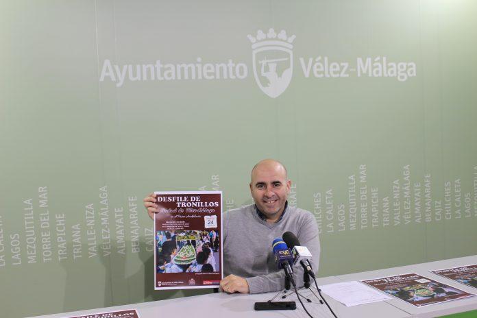 El concejal de Ferias y Fiestas del Ayuntamiento de Vélez-Málaga, Sergio Hijano, informó de que el plazo inscripción estará abierto del 12 al 21 de marzo y que el desfile tendrá lugar el próximo 24 de marzo.