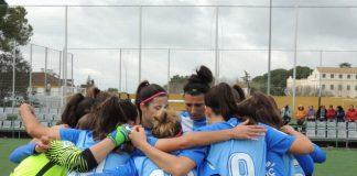 El cuadro malaguista se impuso por 0-2 al AD El Naranjo con dos goles de Adriana- que suma 39- y uno de Noelia. Las malaguistas siguen líderes con 59 puntos.
