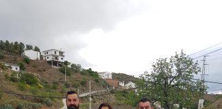 El alcalde de la localidad, Salvador Fernández Marín, junto a varios los concejales y la responsable responsable del programa Málaga Viva, Mariló, han compartido esta jornada de fomento y de sostenibilidad con el medio ambiente.