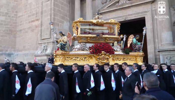De manera especial se ha vivido estos homenajes en Almería. Foto: Ayuntamiento Almería.