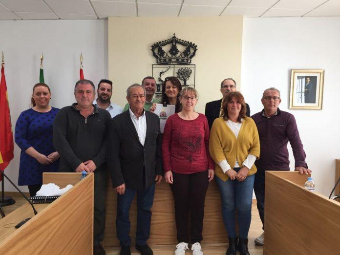 La creación de la primera Unidad de Protección y Rescate Animal (UPRA) a nivel nacional, dependiente del grupo de Protección Civil Moclinejo-El Valdés, con sede en Moclinejo, Málaga, se ha elevado a Pleno con la aprobación por unanimidad de todos los grupos políticos del Ayuntamiento.