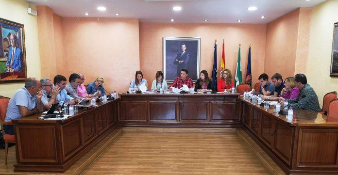 Sale adelante la propuesta de Alcaldía para no prorrogar el contrato de prestación del servicio de limpieza y recogida de residuos tras su expiración el próximo 19 de mayo de 2019.