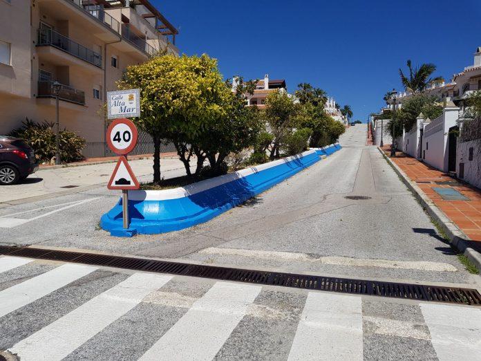 Actuaciones de repintado de señalización y espacios públicos.