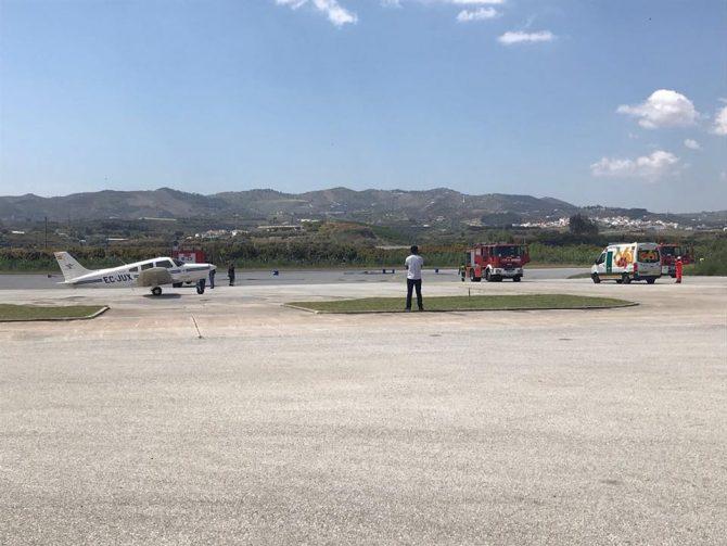 """. La avioneta, finalmente, pudo aterrizar con normalidad y todo ha quedado en un susto. El aterrizaje fue catalogado por los instructores como """"perfecto"""" y de """"manual""""."""