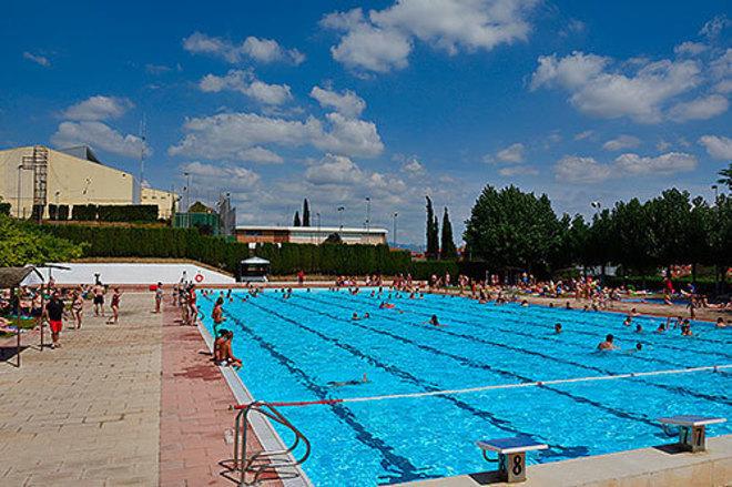 L'Ametlla del Vallès permitirá la práctica del toples en las piscinas de Can Camp y Ca l'Arenys, después de que el 60,9 % de las mujeres que han participado en la consulta sobre esta práctica se haya decantado por esa opción.