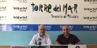 El teniente de alcalde de Torre del Mar, Jesús Pérez Atencia, y el concejal de Ferias y Fiestas del Ayuntamiento de Vélez-Málaga, Sergio Hijano, dieron a conocer los detalles de la programación que tendrá lugar del 21 al 26 de julio.