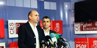 Conejo ha ofrecido hoy una rueda de prensa en Marbella junto al presidente del PSOE de Málaga y portavoz socialista en el Ayuntamiento de Marbella, José Bernal.