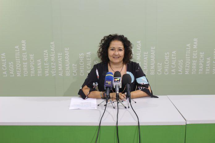 Esta prestación contempla una inversión en material escolar de 145.000 euros para el curso 2018/2019, destinada a facilitar el acceso a la educación infantil a 2.250 menores del municipio.
