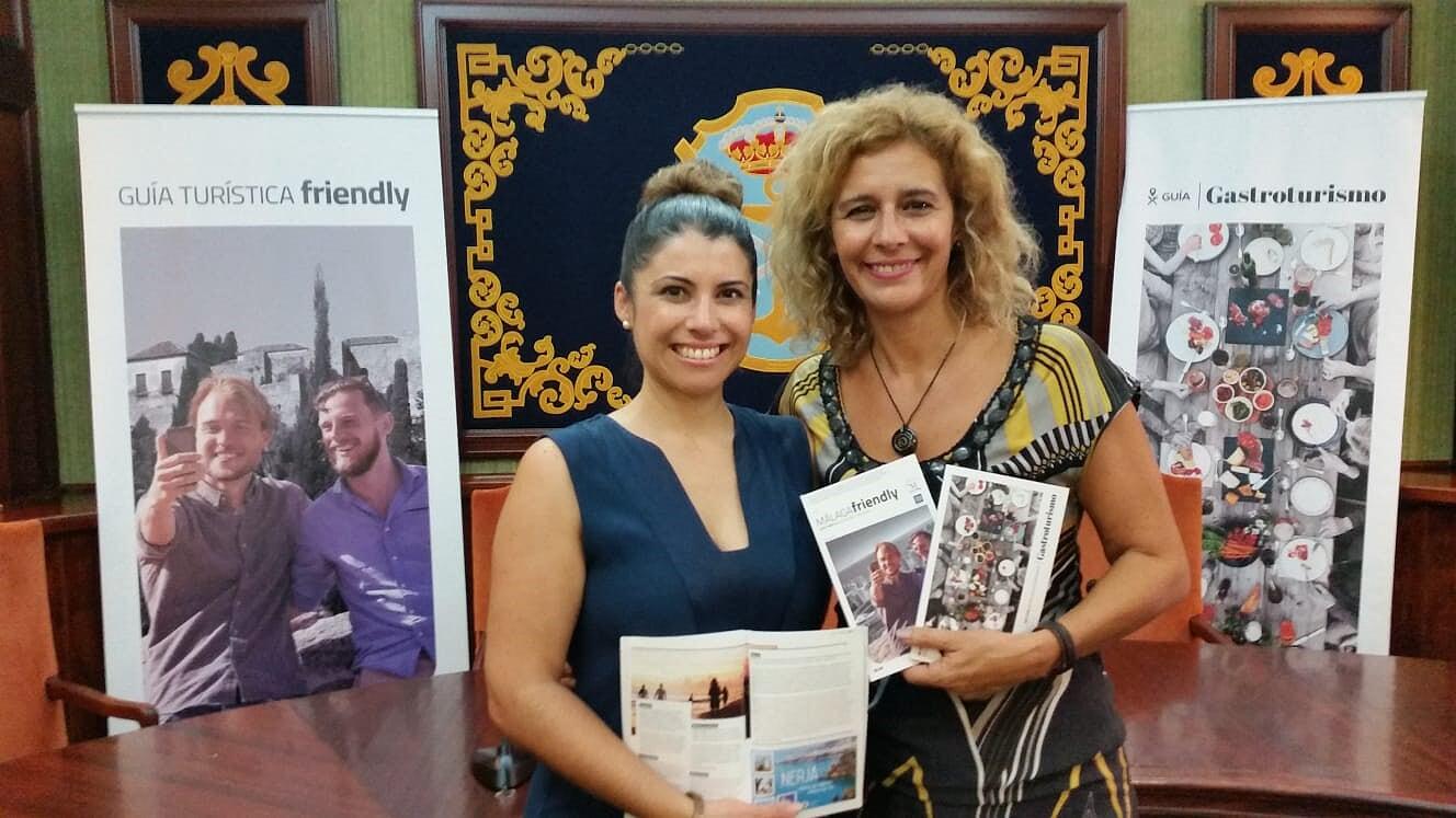 Nerja presenta dos gu as dedicadas al turismo gastron mico for Oficinas de correos en malaga capital