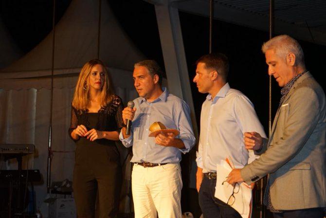 El presidente de la Diputación de Málaga y de Turismo Costa del Sol, Elías Bendodo, ha destacado el potencial turístico de Torrox con motivo del Día del Turistta.