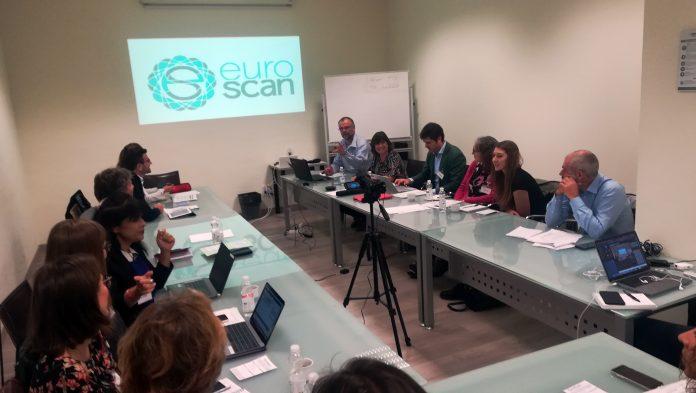 El programa de esta actividad incluye debates y reuniones científicas sobre los procedimientos para la identificación y evaluación temprana de nuevos medicamentos y dispositivos médicos.