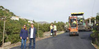 La obra para la recuperación, desbroce y asfaltado de la vía ha contado con un presupuesto de 340.000 euros y ha supuesto la contratación de tres personas desempleadas del municipio.