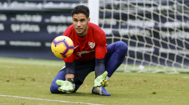 El portero está citado para los dos próximos partidos de la absoluta marroquí, mientras el atacante ha sido llamado para dos encuentros internacionales de la Sub-20 montenegrina.