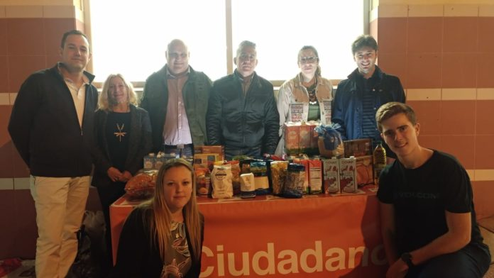 La agrupación local de Ciudadanos Rincón de la Victoria ha organizado dos campañas de recogida solidaria de alimentos, en colaboración con la Asociación Rincón Contigo, orientadas a familias del municipio que se encuentran en situación de necesidad.