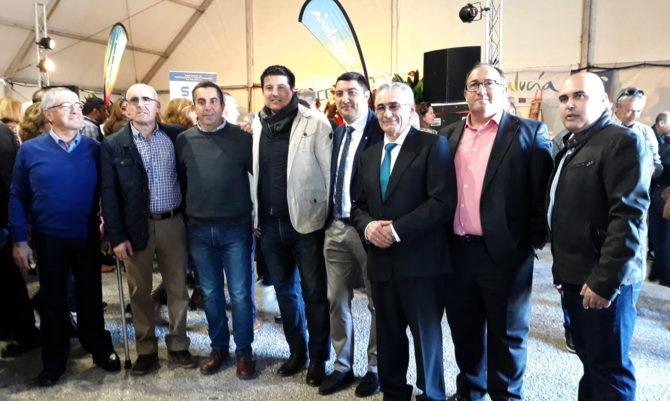 Al evento han acudido el presidente del a Mancomunidad de la Axarquía, Gregorio Campos, y el diputado provincial Francisco Oblaré, entre otras autoridades.