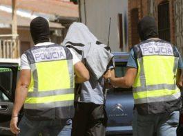 El detenido se había convertido en un ávido consumidor de propaganda yihadista online, publicando también a través de sus perfiles en redes sociales numeroso material multimedia de corte radical, con el objetivo de dar visibilidad y adoctrinar al mayor número de personas.