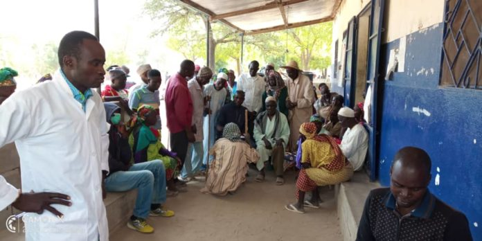 La revisión se ha realizado en el dispensario de Ouzal por un equipo médico desplazado desde el hospital de Mokong.