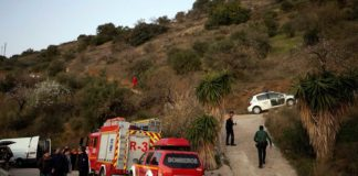 Prosigue sin resultado el rescate del niño que cayó a un pozo en Totalán.